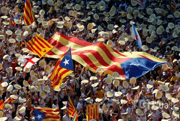 В Іспанії півмільйона демонстрантів вимагали незалежності для Каталонії