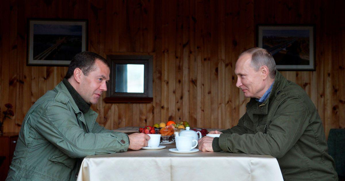 Фото з поїздки Путіна та Медведєва