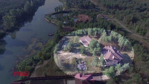 Родичі прокурорів незаконно забудували частину захисної дамби Київського водосховища - ЗМІ