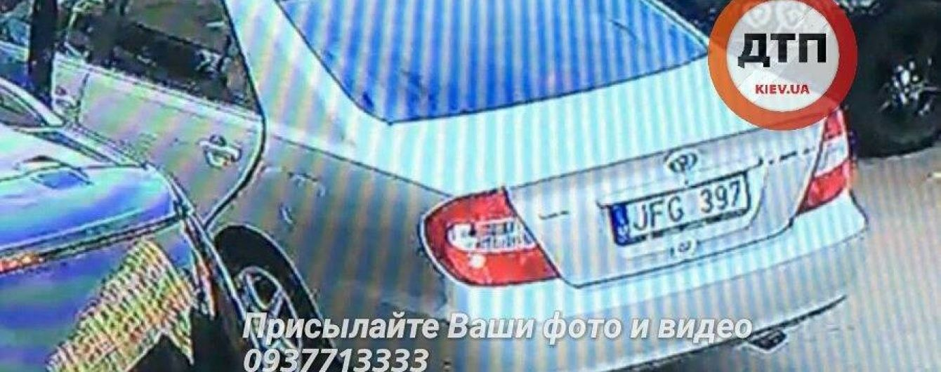 Поліція розповіла подробиці викрадення молодої пари під Києвом