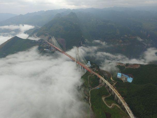 У Китаї побудували найвищий у світі міст