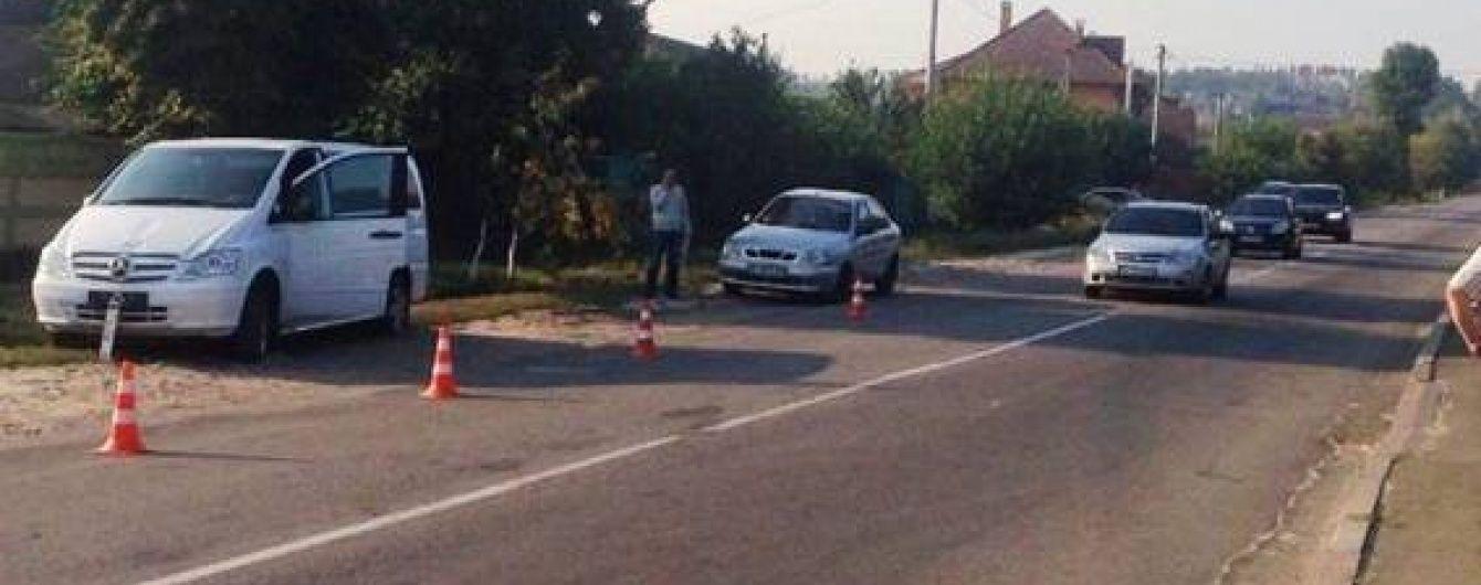 Подробиці ДТП із двома дітьми: школярі вибігли на дорогу, бо поспішали на автобус