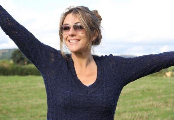51-річна Елізабет Хьорлі в бікіні спричинила фурор неймовірною стрункістю