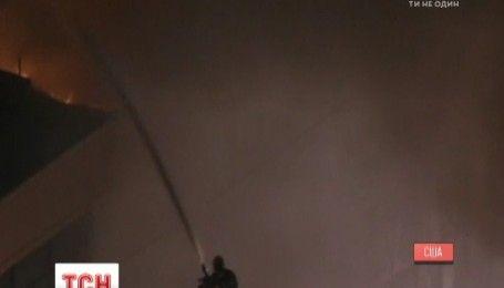Полторы сотни спасателей пытаются погасить масштабный пожар в центре Лос-Анджелеса