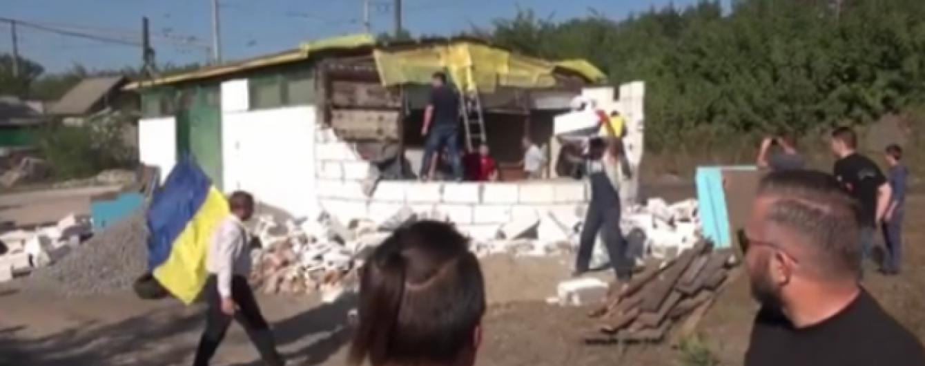 На Київщині місцеві мешканці зруйнували недобудовану церкву УПЦ МП