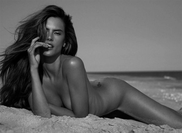 Американський чоловічий журнал обрав найсексуальніших жінок серед зірок
