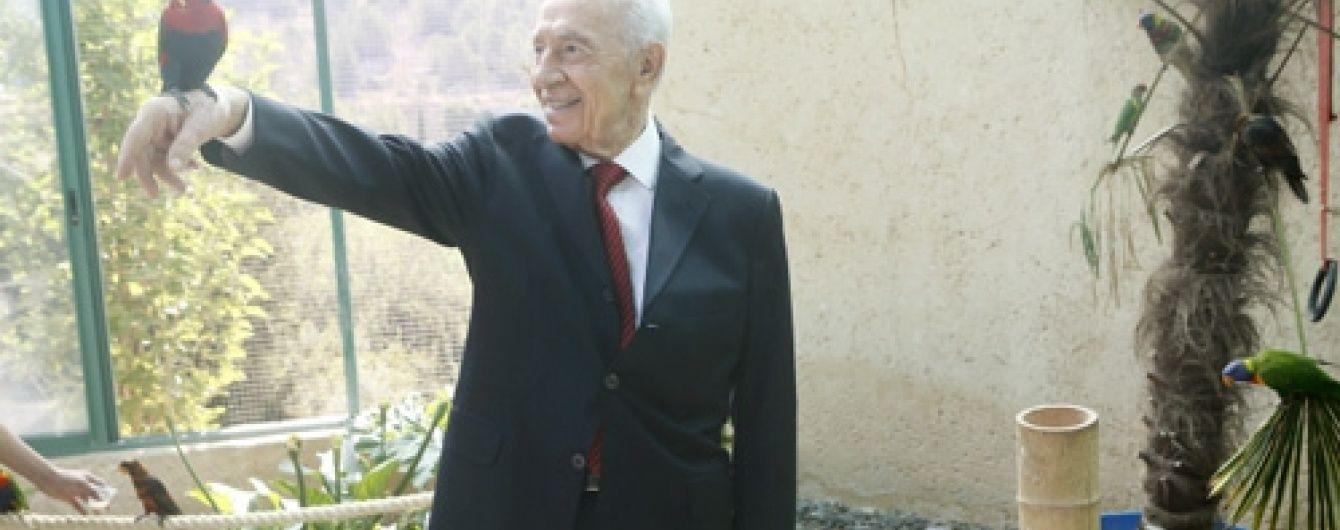 Відомий екс-президент Ізраїлю потрапив до лікарні після інсульту