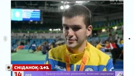 Паралимпийский чемпион со слезами на глазах посвятил свою медаль погибшим в АТО друзьям
