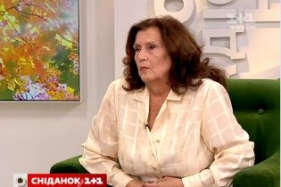 """Мама Кузьми """"Скрябіна"""" зібрала ексклюзивні спогади близьких людей сина у новій книзі"""