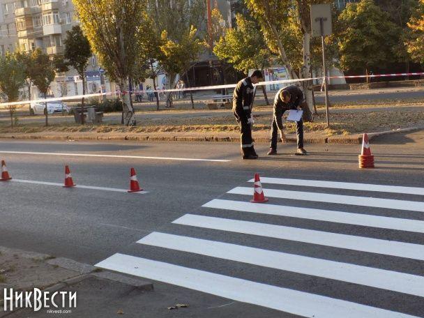 У Миколаєві водій переїхав чотирьох працівників дорожньої служби та зник з місця ДТП