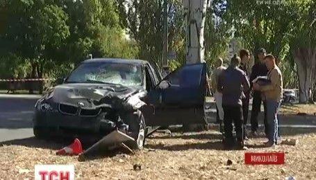 В Николаеве 4 человека погибли под колесами иномарки