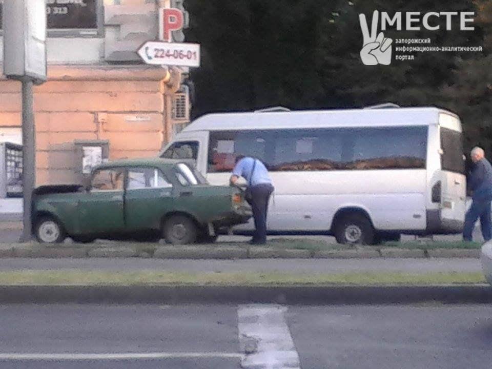 ДТП із маршруткою в Запоріжжі_02
