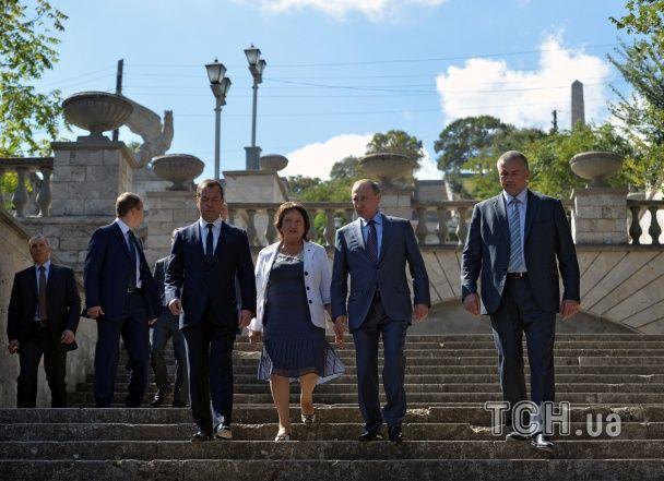 Путін і Медведєв побували на оглядинах Керчинського мосту