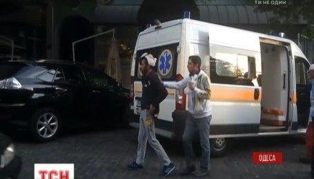 Драка на Дерибасовской: перед футбольным матчем неизвестные в масках напали на турецких болельщиков