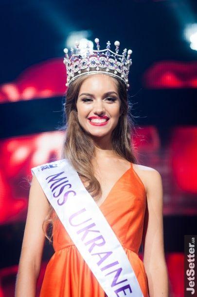 """""""Міс Україна 2016"""" завітала в студію """"Світського життя"""" в короні за 250 тисяч доларів та з охороною"""