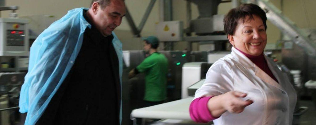 Бойовики годують мешканців Луганська хлібом із зерна для тварин - активіст