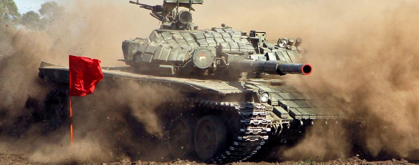 Росія замаскувала у лісосмугах біля українського кордону значну кількість військової техніки