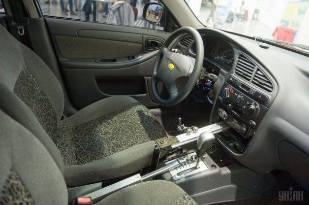 В Запорожье показали первый украинский беспилотный автомобиль