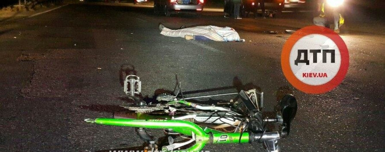 Під Києвом Mitsubishi вбив велосипедиста