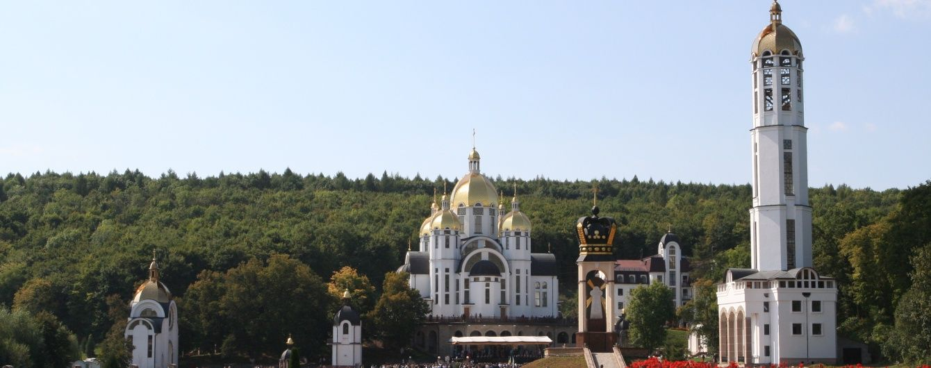 Військове паломництво: півтори тисячі бійців прийшли до богородичної святині на Тернопільщині
