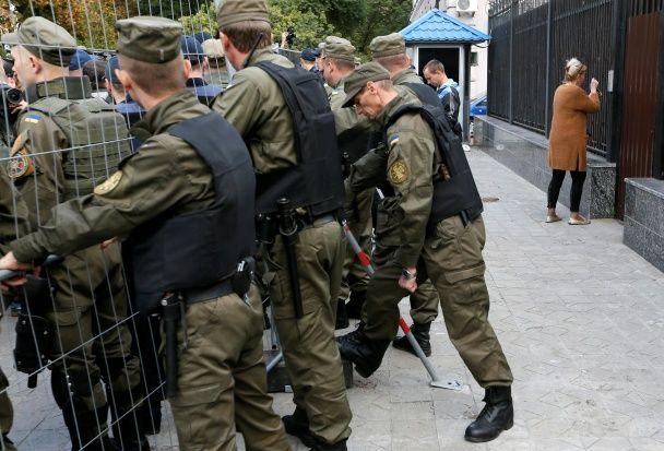 Вибори до Держдуми РФ: з'явилися відео сутичок під російським посольством у Києві