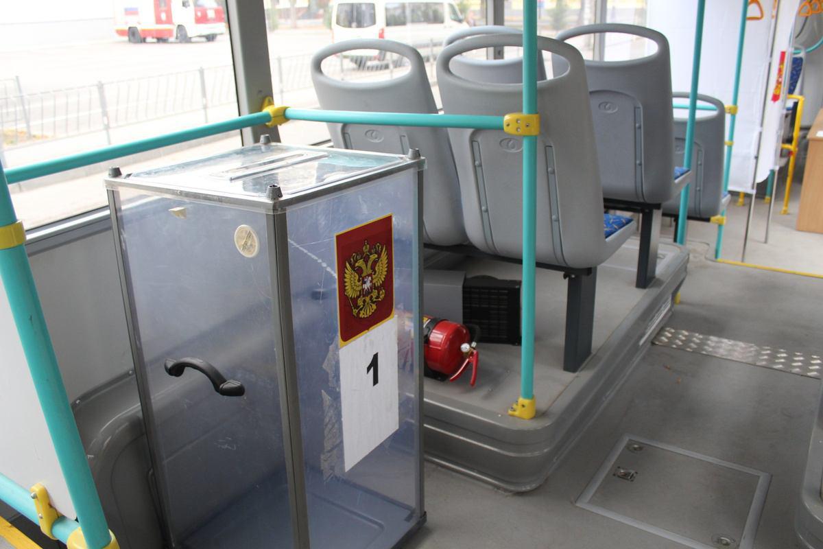 Урни у тролейбусах в Криму