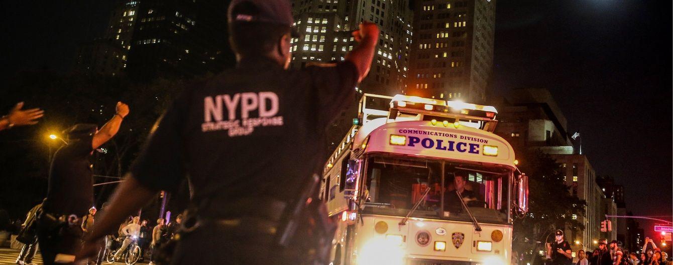 Очевидцы о первых минутах после взрыва в Нью-Йорке: всех окутал ужас, из зданий валил дым