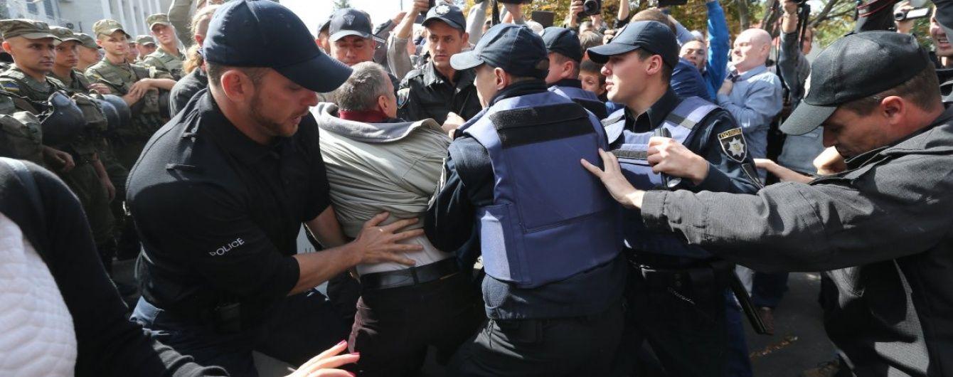 У поліції розповіли про підсумки безладів під посольством РФ у Києві
