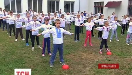 В школе на Прикарпатье возобновляют зарядку, которую когда-то сын Ивана Франко описал в учебнике