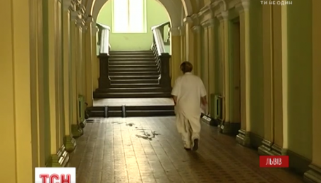 У Львові з психіатричної лікарні втекли 2 небезпечних пацієнтів