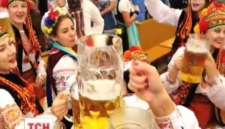 Впервые в масштабном параде национальных костюмов в Мюнхене приняли участие украинцы