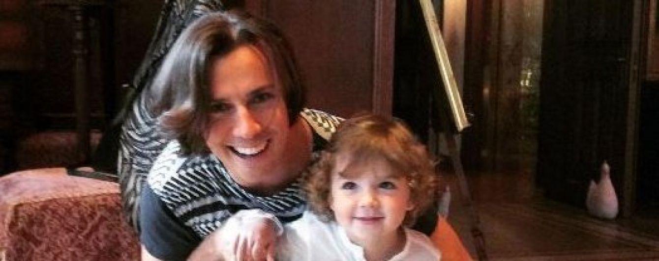 Галкин показал невероятно похожих на себя дочь и сына