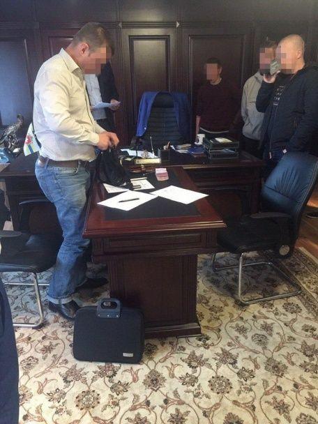 На Ровенщине один из руководителей ДФС погорел на взятке