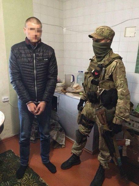 """На Одещині затримали правоохоронців, які """"кришували"""" злочинне угруповання"""