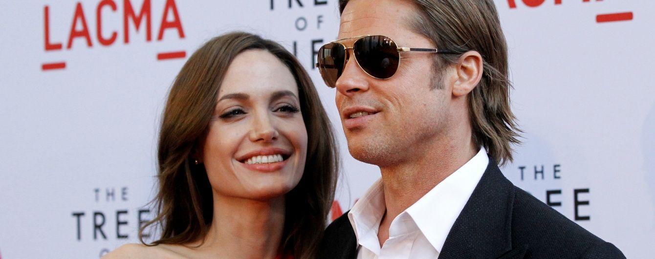Восковых Джоли и Питта разъединили в музее мадам Тюссо