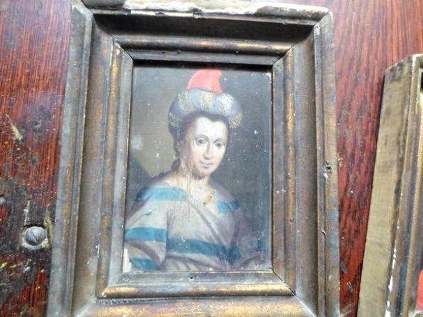 СБУ вернула в Львовский музей незаконно выставленые на аукцион похищенные картины