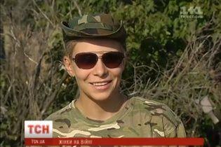 Женщины-воины: Журналисты узнали, как живут девушки из 54-й бригады