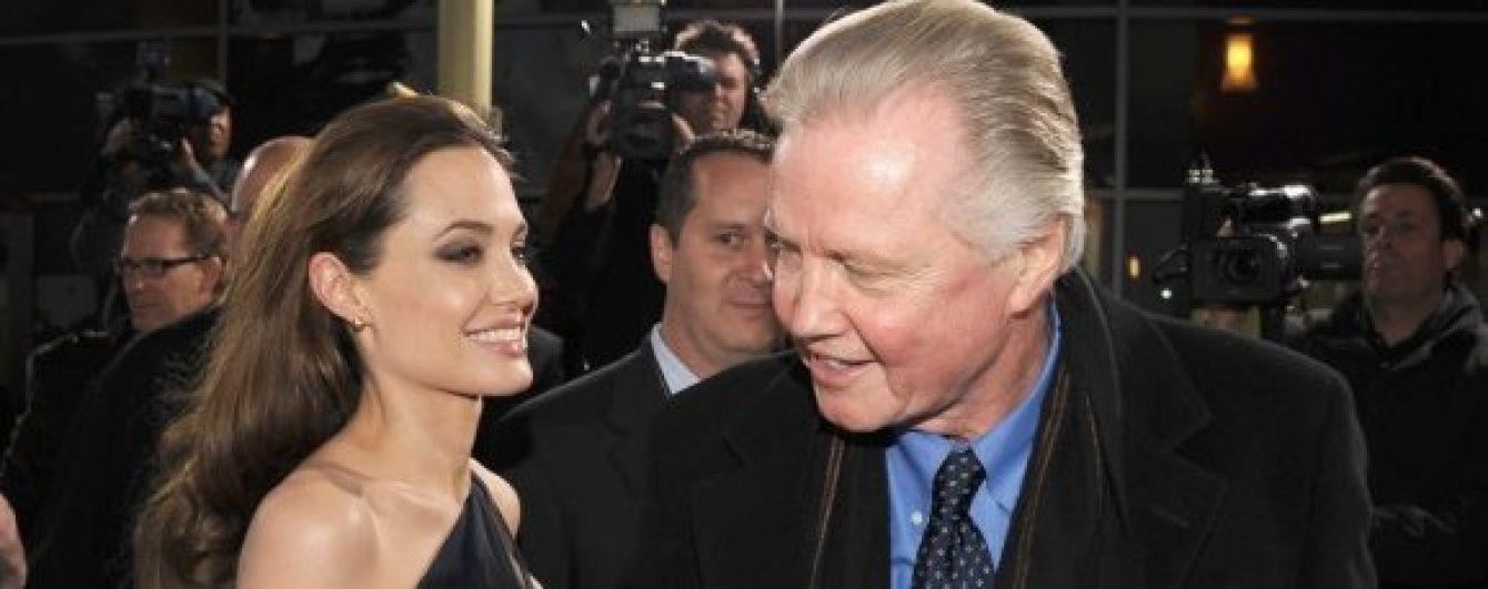 Батько Джолі прокоментував рішення Анджеліни залишити Пітта