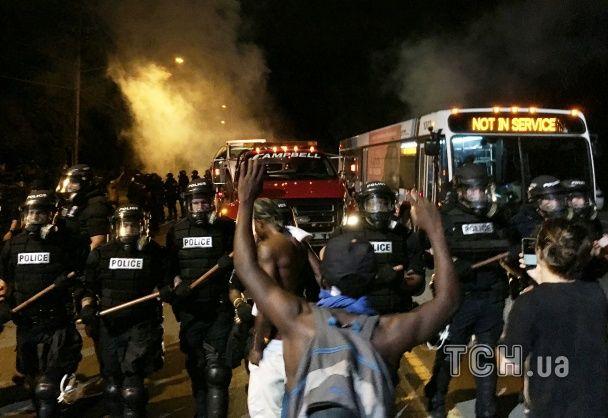 У США під час протестів поранили більше десяти поліцейських