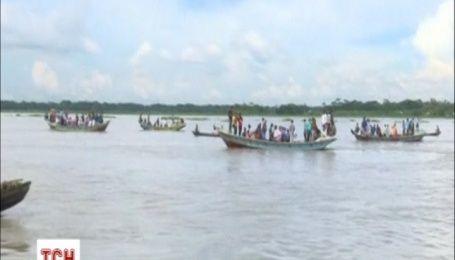 В Бангладеш затонул паром, есть пострадавшие