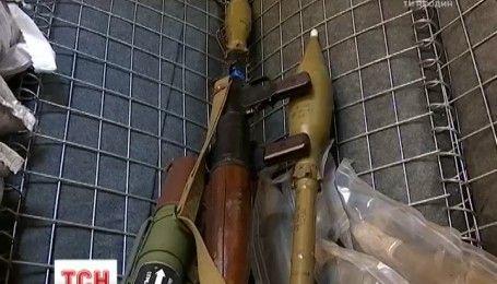 На фронті бойовики продовжують використовувати заборонену Мінськими угодами зброю
