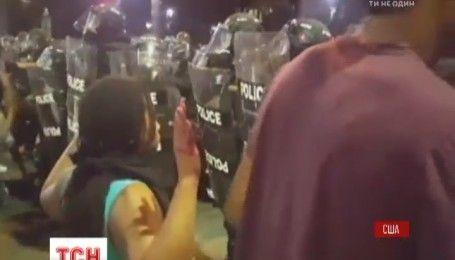 В американском штате Северная Каролина ввели чрезвычайное положение из-за протестов