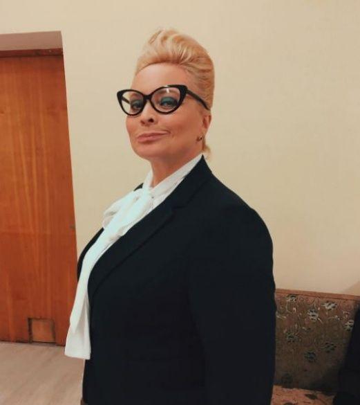 Схудла Пермякова в образі вчительки_1