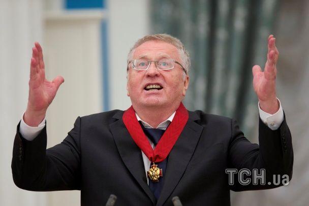 """Жириновский в Кремле декламировал """"Боже, царя храни"""", получив награду от Путина"""