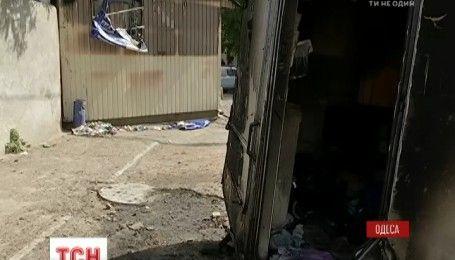 Автобусные войны в Одессе: неизвестные сожгли диспетчерский пункт со сторожем