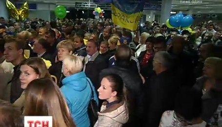 Паралимпийский триумф: украинцы с восхищениями встречали спортсменов-героев