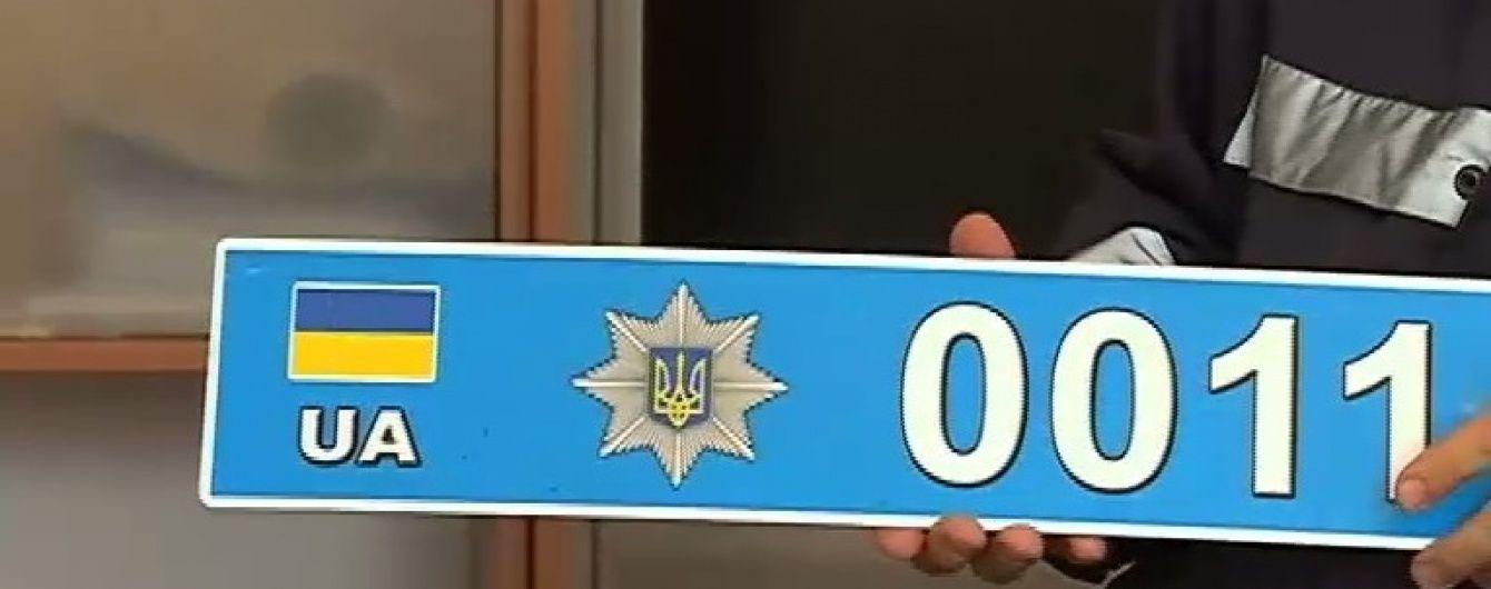 На Прикарпатье выследили BMW с фейковыми полицейскими номерами
