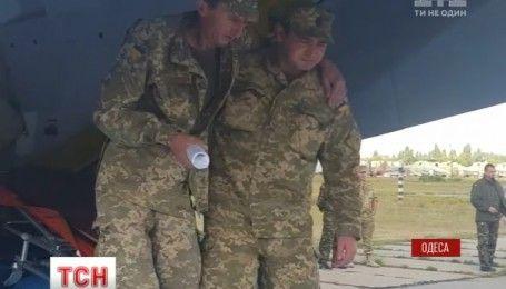 Літак із пораненими бійцями АТО прибув напередодні до Одеси