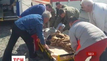 В Одессу прибыл самолет с ранеными бойцами АТО