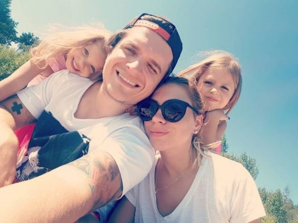 Анатоліч із дружиною та підрослими доньками вирушив на сімейний відпочинок